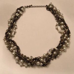 Gold pearl and diamond twisted necklace